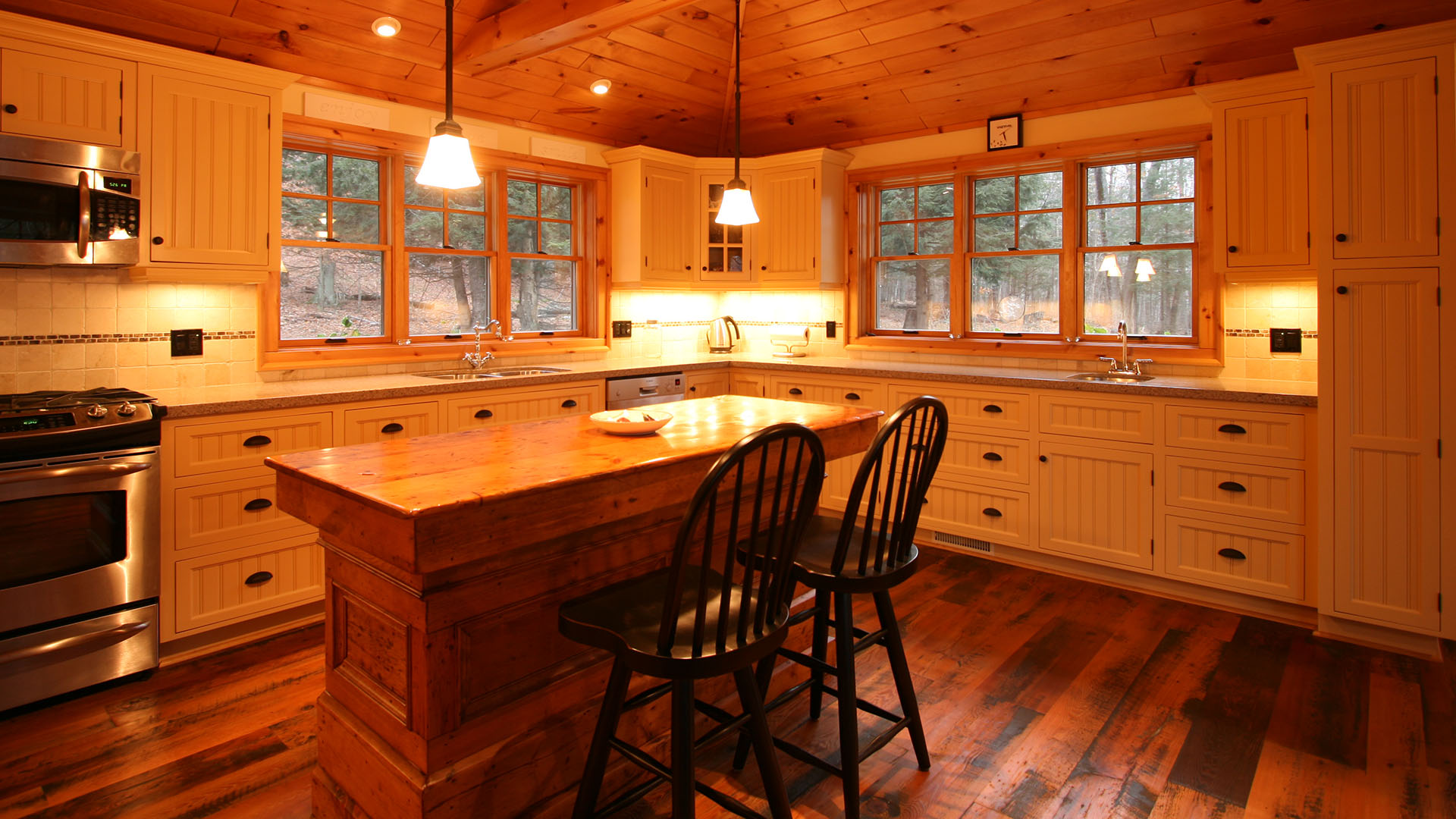 architect designed cottage - lake of bays muskoka - kitchen & island