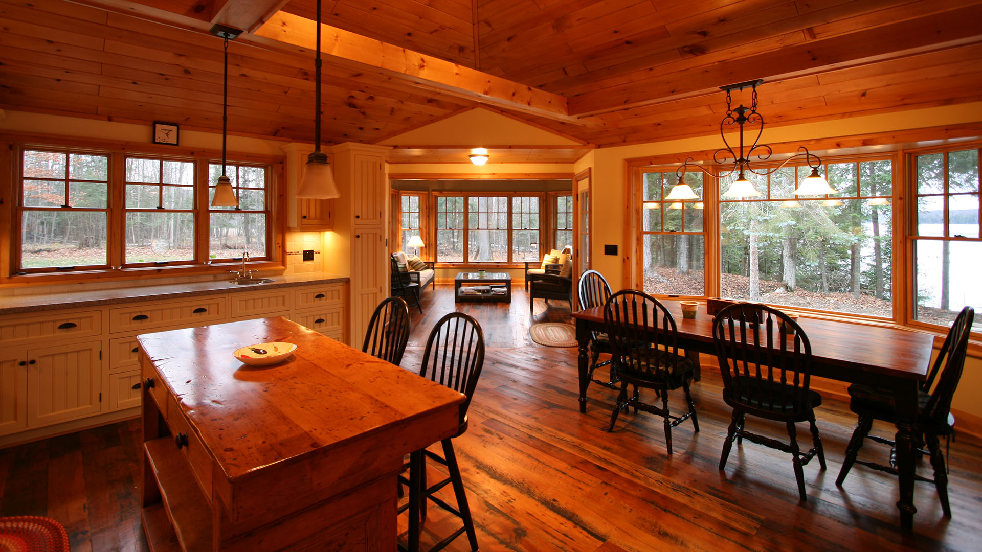 architect designed cottage - lake of bays muskoka - kitchen sunroom eating