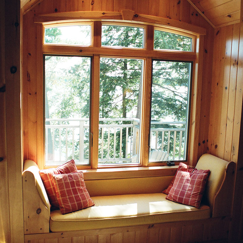 architect designed cottage addition - lake muskoka - window seat S